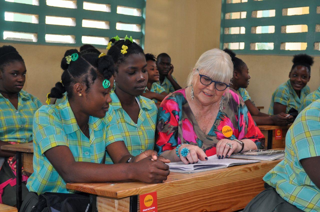Sophie Van Gheel  naast haar oogappels, gevorderde leerlingen