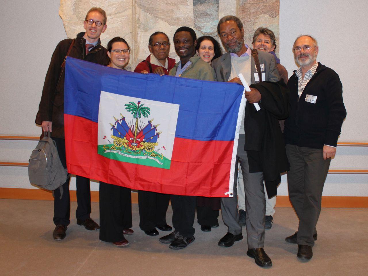 Mathurin (6e van links) bij zijn bezoek aan België en de EU in 2011  (foto Ilse Roels)