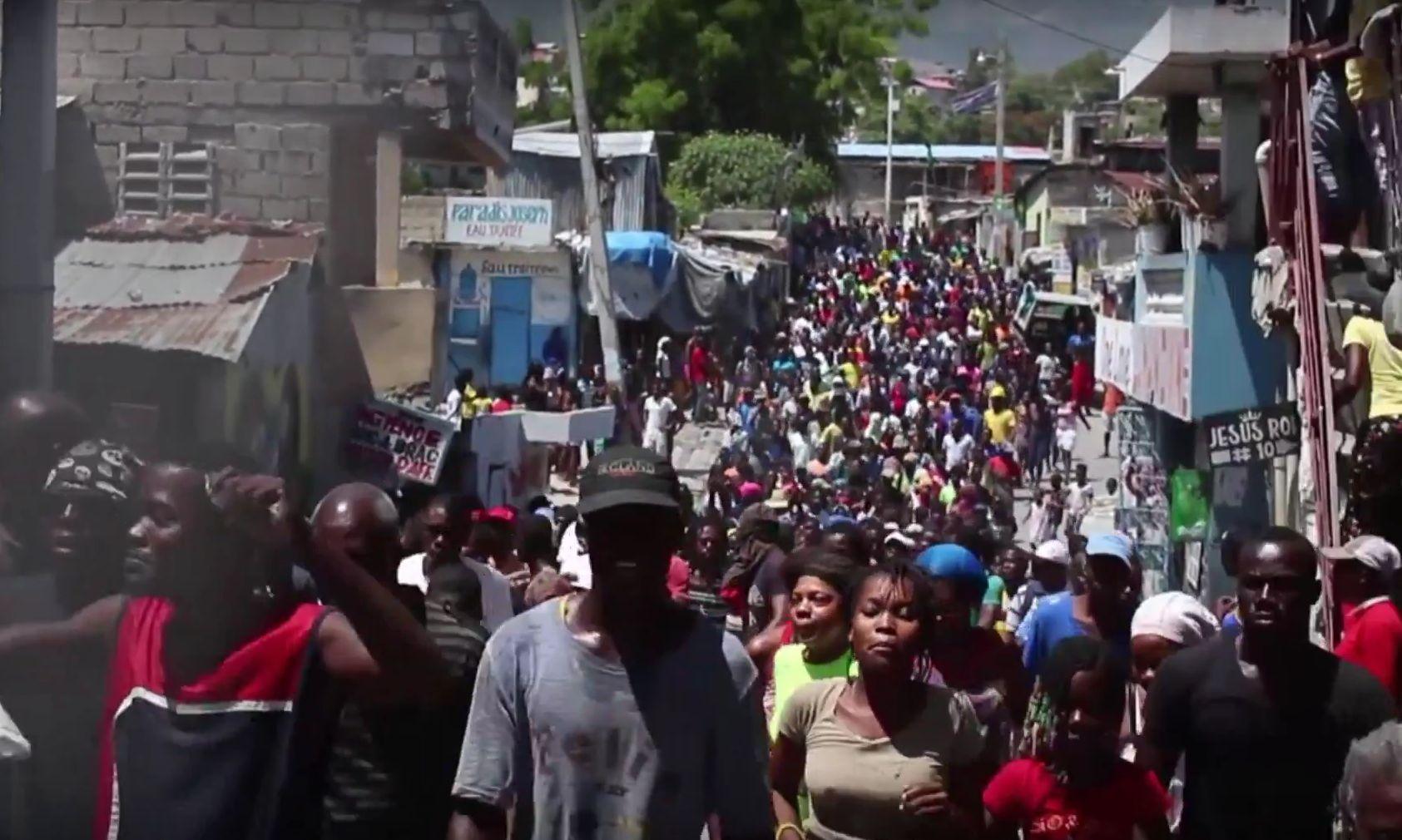 Massaal protest verrast overheid (bron AlJazeera)